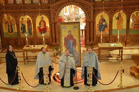 Icon visits Dormition Greek Parish 2014 S.jpg